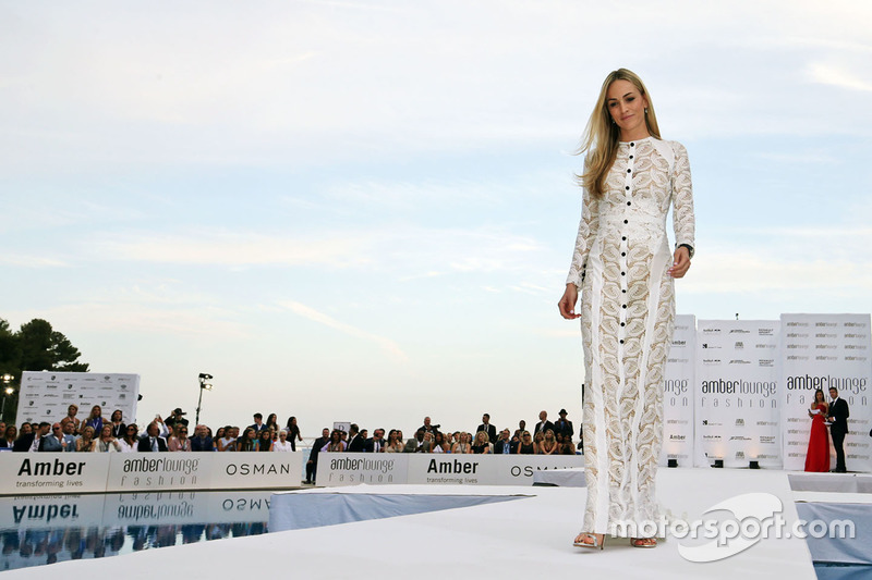 Carmen Jorda, Renault Sport F1 Team Development Driver all'Amber Lounge Fashion Show