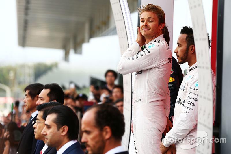 Race winner Nico Rosberg, Mercedes AMG F1 with team mate Lewis Hamilton, Mercedes AMG F1 on the podium