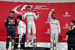 Podio: Max Verstappen, Red Bull Racing, segundo; Nico Rosberg, Mercedes AMG F1, ganador; Lewis Hamil
