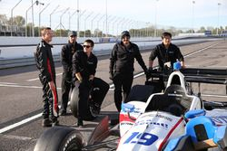 Sébastien Bourdais, Dale Coyne Racing Honda talks with his team