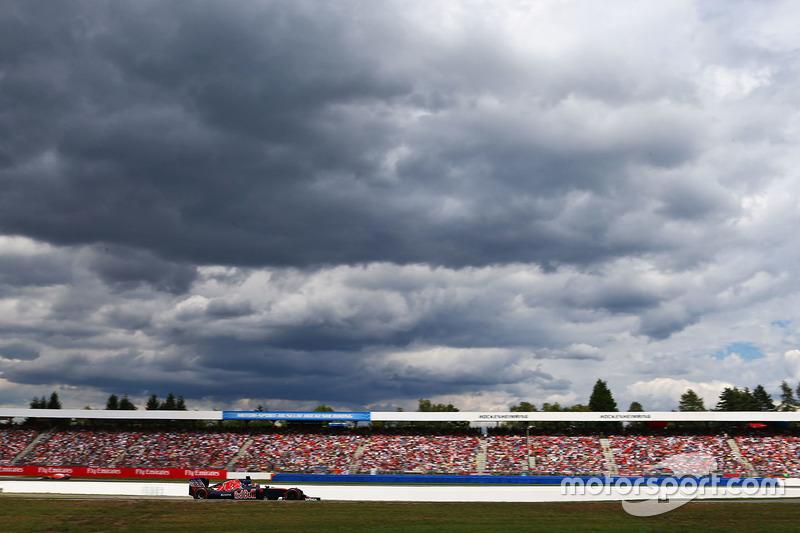 2016 год. За рулем Toro Rosso STR11 в гонке