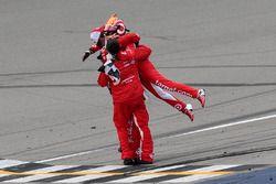 Il vincitore della gara Kyle Larson, Chip Ganassi Racing Chevrolet