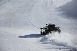 Une Lamborghini Murcielago sur la neige avec Jon Olsson