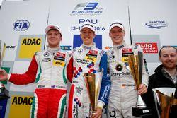 Podyum: Nick Cassidy, Prema Powerteam Dallara F312 – Mercedes-Benz; Ben Barnicoat, HitechGP Dallara