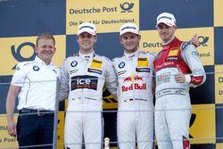 Podio: Stefan Reinhold, BMW Team RMG; segundo lugar Tom Blomqvist, BMW Team RBM, BMW M4 DTM; pimer l