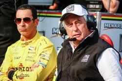 Helio Castroneves, Team Penske Chevrolet, et Roger Penske