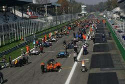Starting grid race 2
