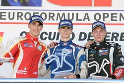 Podium: Race winne Colton Herta, Carlin Motorsport; second place Leonardo Pulcini, Campos Racing; th