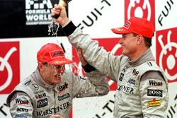 Podyum: David Coulthard ve Mika Hakkinen
