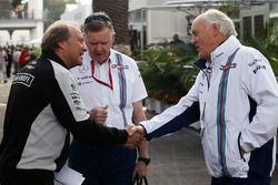 Robert Fernley, Sahara Force India F1, Stellvertretender Teamchef; Mike O'Driscoll, Williams, Geschä
