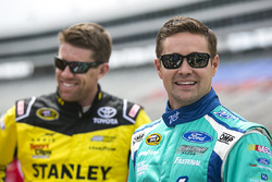Ricky Stenhouse Jr., Roush Fenway Racing Ford und Carl Edwards, Joe Gibbs Racing Toyota