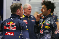 Christian Horner, director del equipo Red Bull Racing con Daniel Ricciardo, Red Bull Racing
