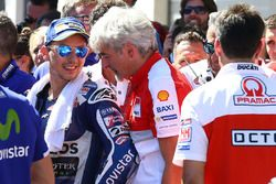 Jorge Lorenzo, Yamaha Factory Racing, troisième, avec Gigi Dall'Igna, Directeur général Ducati Corse
