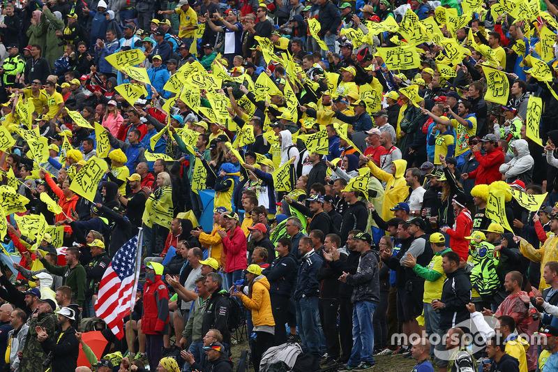 Fan di Valentino Rossi, Yamaha Factory Racing