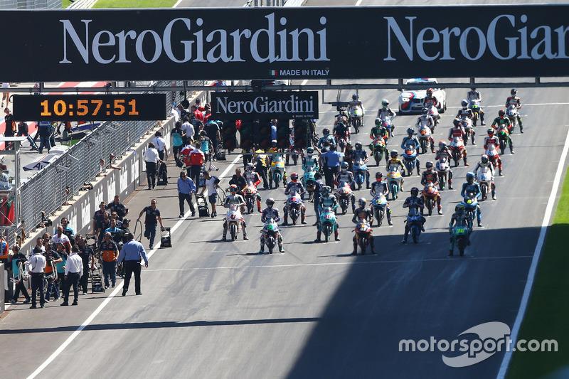 Start grid Moto3