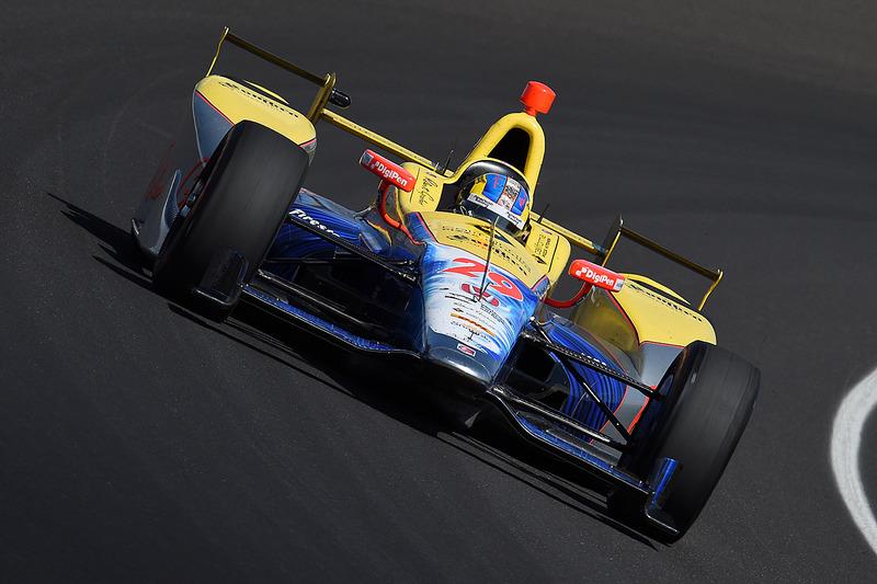 Townsend Bell atingiu a marca de 389,4 km/h em Indianápolis neste ano.