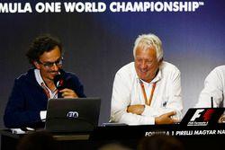 Laurent Mekies, F1 Deputy Race Director, FIA, Charlie Whiting, FIA Race Director and Matteo Bonciani