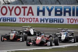 Guan Yu Zhou, Prema Powerteam, Dallara F317 - Mercedes-Benz; David Beckmann, Van Amersfoort Racing,