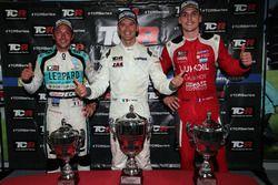 Conferencia de prensa: Ganador de la carrera Roberto Colciago, M1RA, Honda Civic TCR, segundo Hugo V