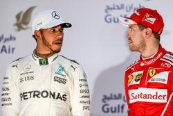 Podium : Le second Lewis Hamilton, Mercedes AMG, le vainqueur Sebastian Vettel, Ferrari