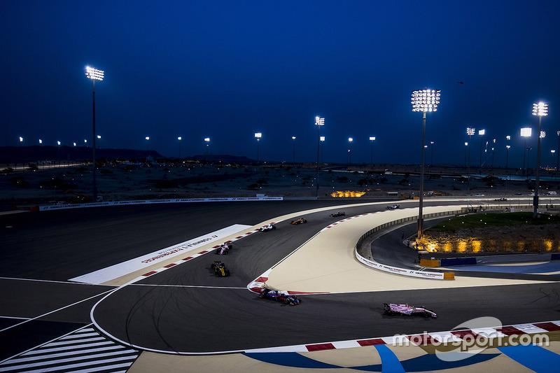 Esteban Ocon, Force India VJM10, Daniil Kvyat, Scuderia Toro Rosso STR12, Jolyon Palmer, Renault Sport F1 Team RS17, Sergio Perez, Force India VJM10