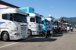 camión en el paddock