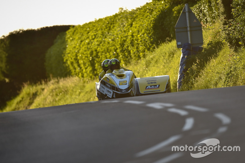 Sidecar TT 1: 3. Platz - Dave Molyneux / Dan Sayle, DMR/A&J Racing