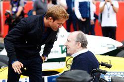 Nico Rosberg talks to Sir Frank Williams
