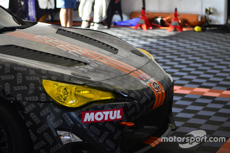#318 MP3B Scion FRS driven by Mario Cortopasio & Oliver Romanelli of TR3 Performance