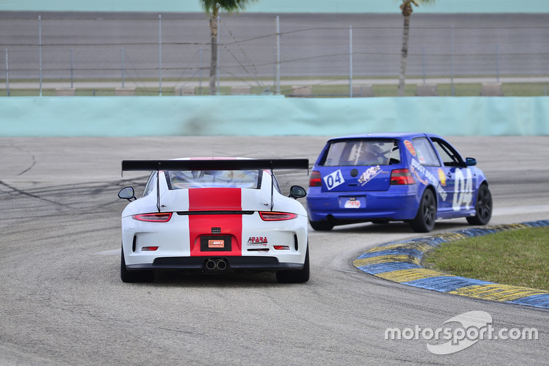 #88 MP2A Porsche GT Cup driven by Carlos Crespo & Beto Monteiro of BRT, #04 MP3B Volkswagen GTI driven by Camilo Rico of Scuderia Shell Burbank