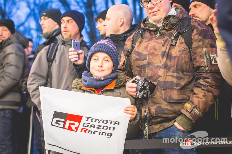 Un jeune fan de Toyota Racing