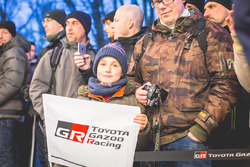 Junger Fan von Toyota Racing