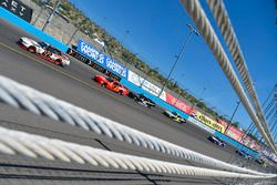 Ryan Blaney, Team Penske, Ford; Justin Allgaier, JR Motorsports, Chevrolet