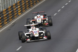 Kenta Yamashita, ThreeBond with T-Sport Dallara Tomei; Nick Cassidy, SJM Theodore Racing by Prema Da