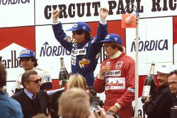 Podium: race winner Alain Prost, Renault, second place Nelson Piquet, Brabham BMW, third palce Eddie