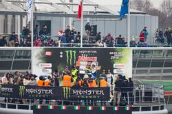 Podium : les vainqueurs Valentino Rossi, Carlo Cassina, les deuxièmes, Daniel Sordo, Marc Marti, les troisièmes, Marco Bonanomi, Luigi Pirollo