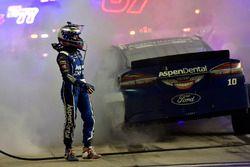 Danica Patrick, Stewart-Haas Racing Ford choca