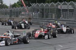 Start action, Maximilian Günther, Prema Powerteam Dallara F317 - Mercedes-Benz,