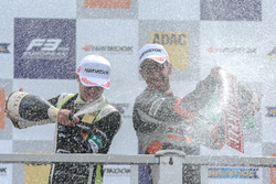 Podium novatos: Jehan Daruvala, Carlin, Dallara F317 - Volkswagen , Lando Norris, Carlin Dallara F31