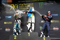 Podium: winnaar Johan Kristoffersson, Volkswagen Team Sweden, tweede plaats Andreas Bakkerud, Hoonig