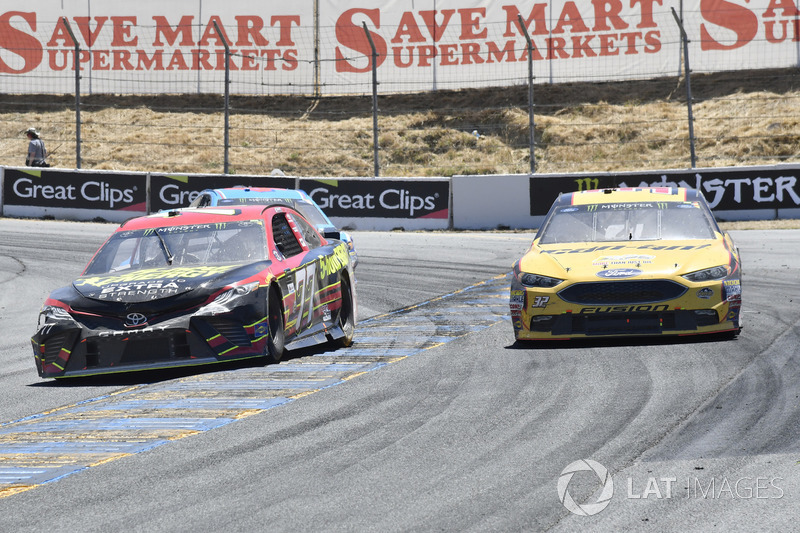 Erik Jones, Furniture Row Racing Toyota, Matt DiBenedetto, Go Fas Racing Ford