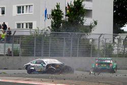 Gary Paffett, Mercedes-AMG Team HWA, Mercedes-AMG C63 DTM és Mike Rockenfeller, Audi Sport Team Phoe