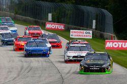 James Davison, Joe Gibbs Racing Toyota e Austin Cindric, Team Penske Ford