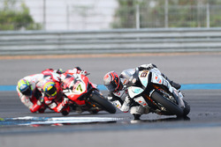 Jordi Torres, Althea BMW Racing; Chaz Davies, Ducati Team