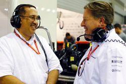 الشيخ محمد بن عيسى الخليفة وزاك براون، الرئيس التنفيذى لمجموعة مكلارين