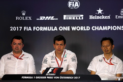 Eric Boullier, Racing Director McLaren, Toto Wolff, Direttore del Motorsport Mercedes AMG F1, Yusuke Hasegawa, Capo di Honda Motorsport