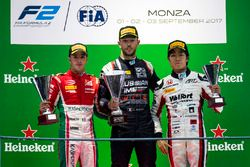 Podium: race winner Luca Ghiotto, RUSSIAN TIME, second place Antonio Fuoco, PREMA Racing, third plac
