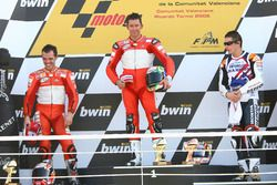 Podium: race winner Troy Bayliss, Ducati; second place Loris Capirossi, Ducati; third place Nicky Hayden, Repsol Honda