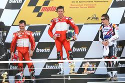 Podio: ganador de la carrera Troy Bayliss, Ducati; segundo lugar Loris Capirossi, Ducati; tercer lu