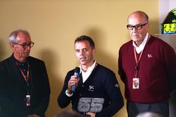 لوريس كابيروسي وكارملو إيزبيليتا، المدير التنفيذي لدورنا سبورت
